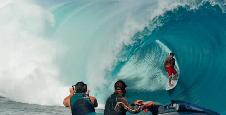 Teahupoo, el primer swell de la temporada