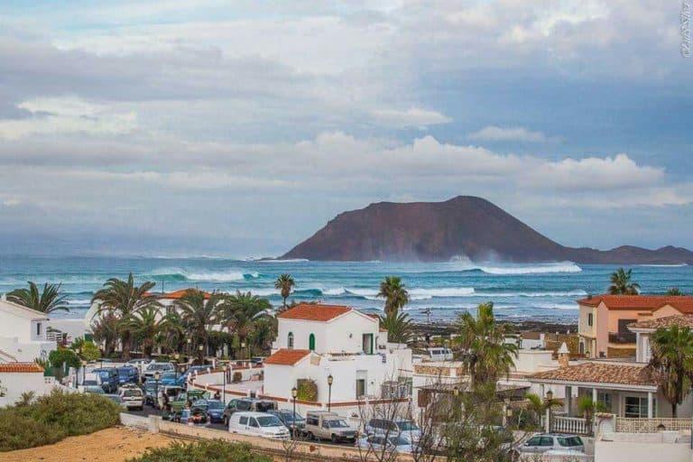 Las 5 mejores olas de las Islas Canarias
