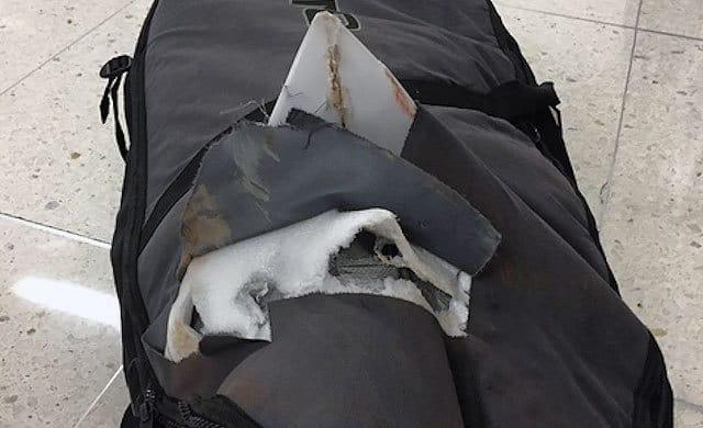 Así quedaron las tablas de John John Florence tras pasar por el aeropuerto
