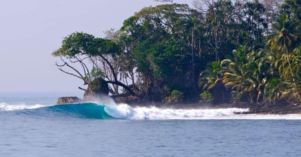 Surfear en las Mentawai un poquito más caro