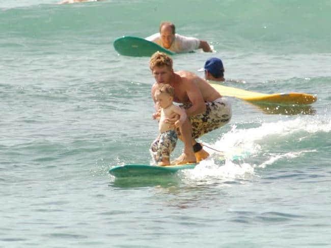 7 surfistas de menos de 10 años