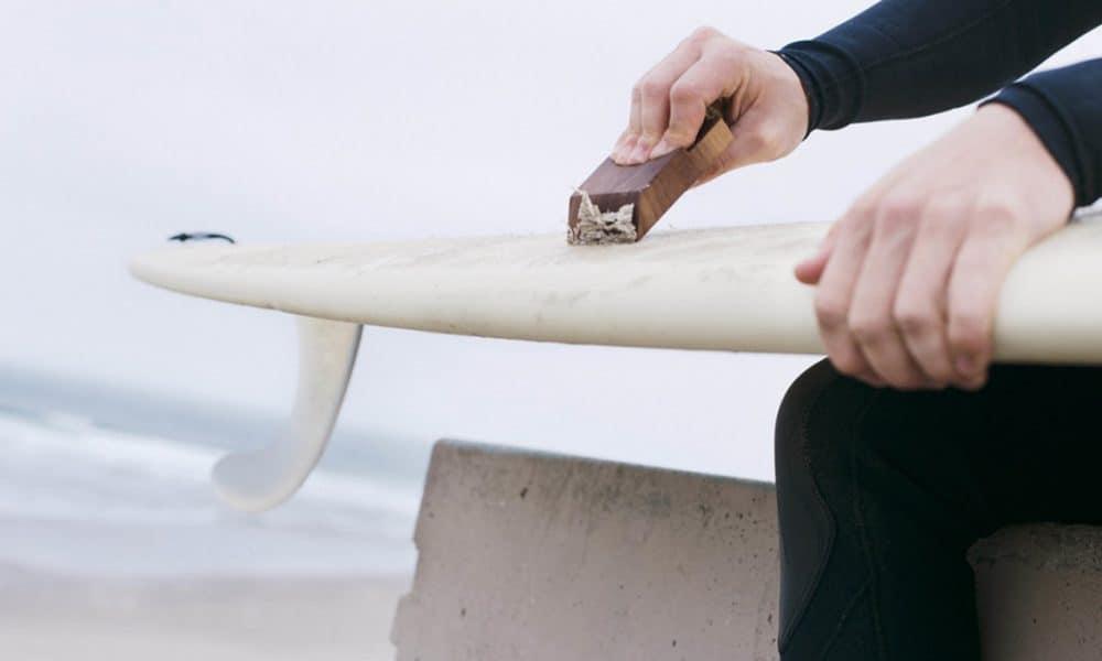 quitar la parafina de tu tabla de surf
