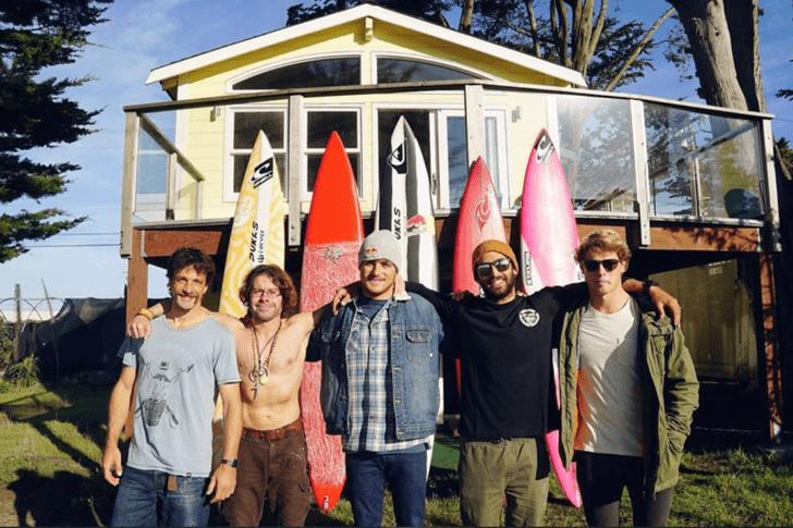 5 surfistas vascos a la conquista de Mavericks