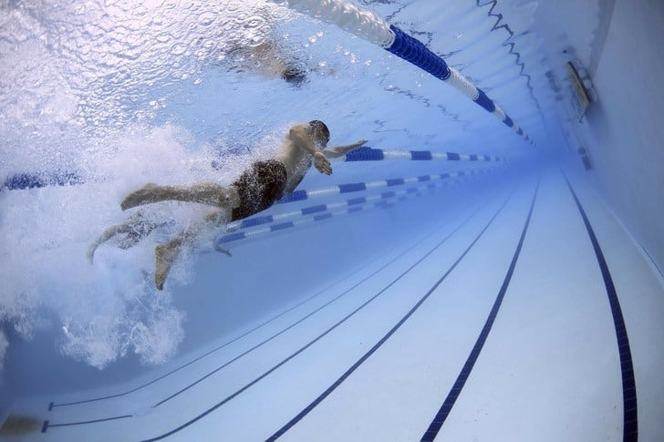 Los beneficios de la natación para el surf