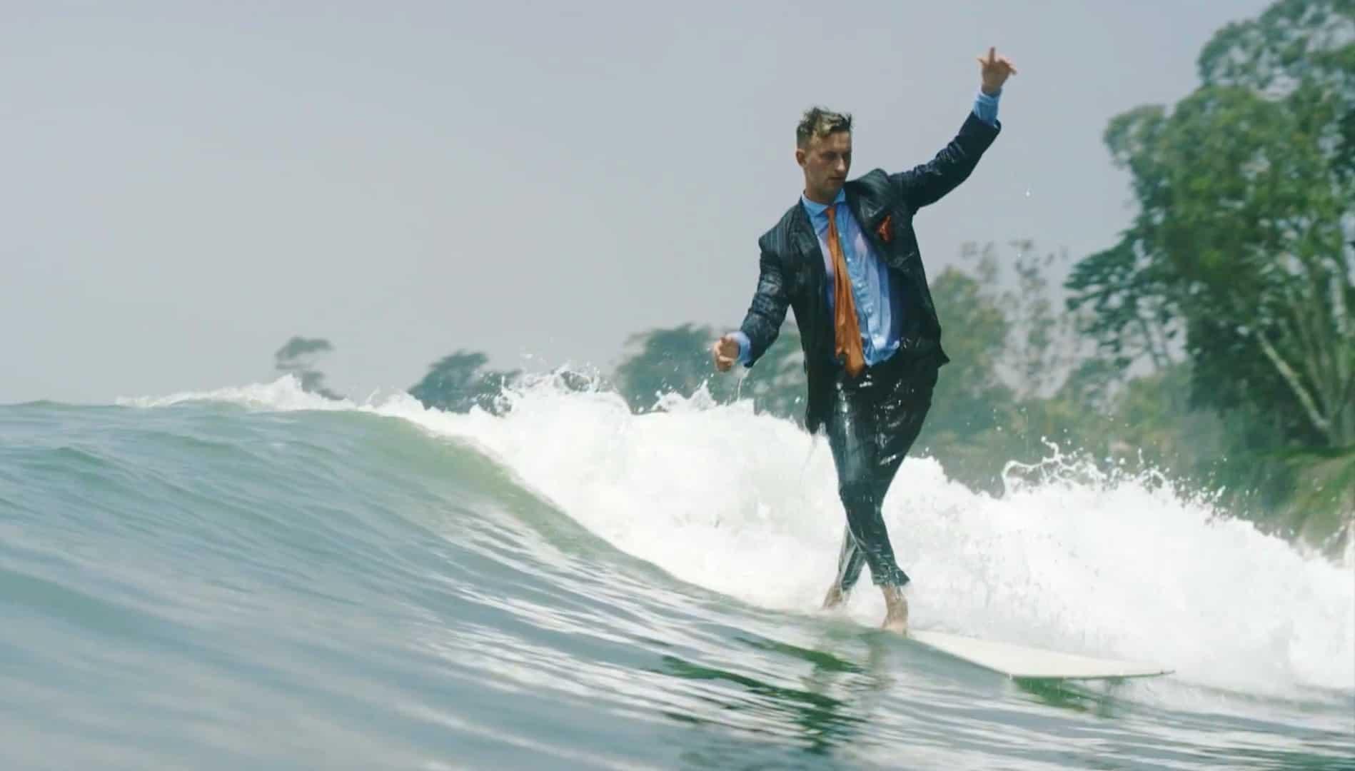 El traje de neopreno para ejecutivos: True Wetsuits