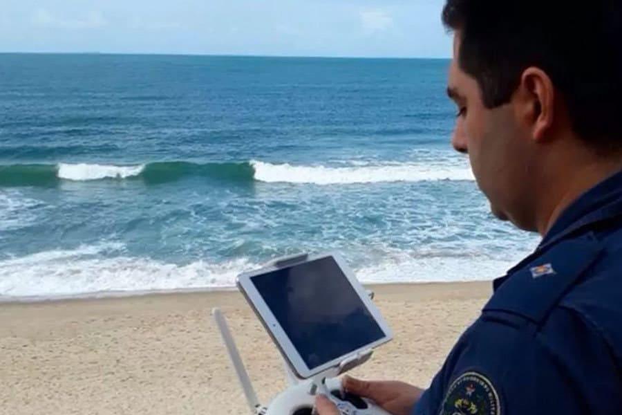 Un drone ayuda a rescatar a un surfista