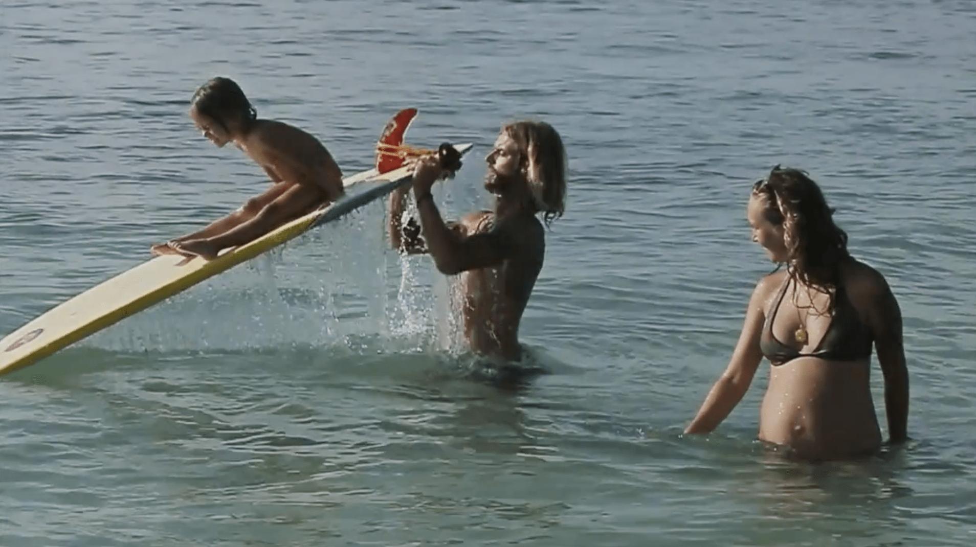 Una historia de surf en familia en la isla de Bali