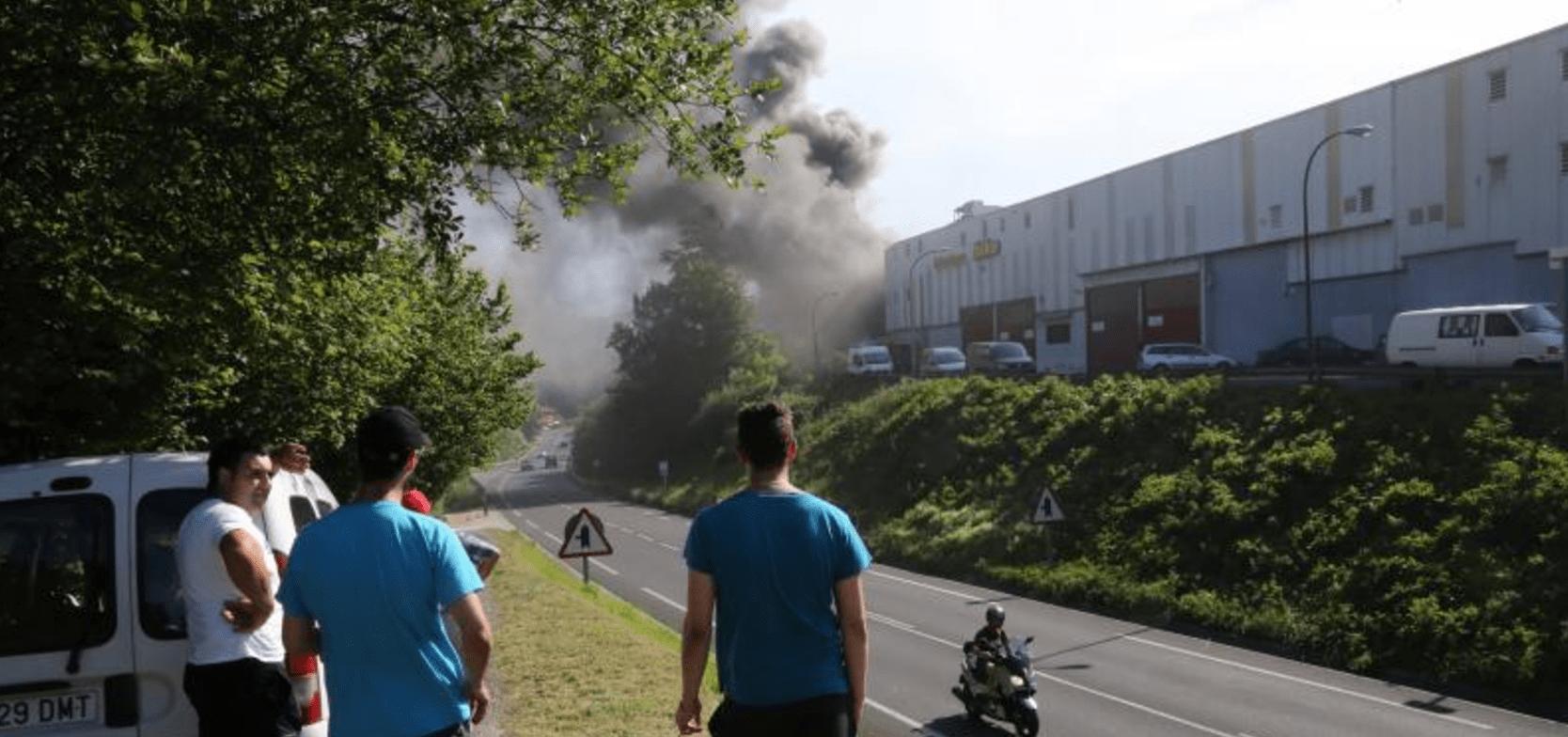 Incendio en la fabrica de Pukas