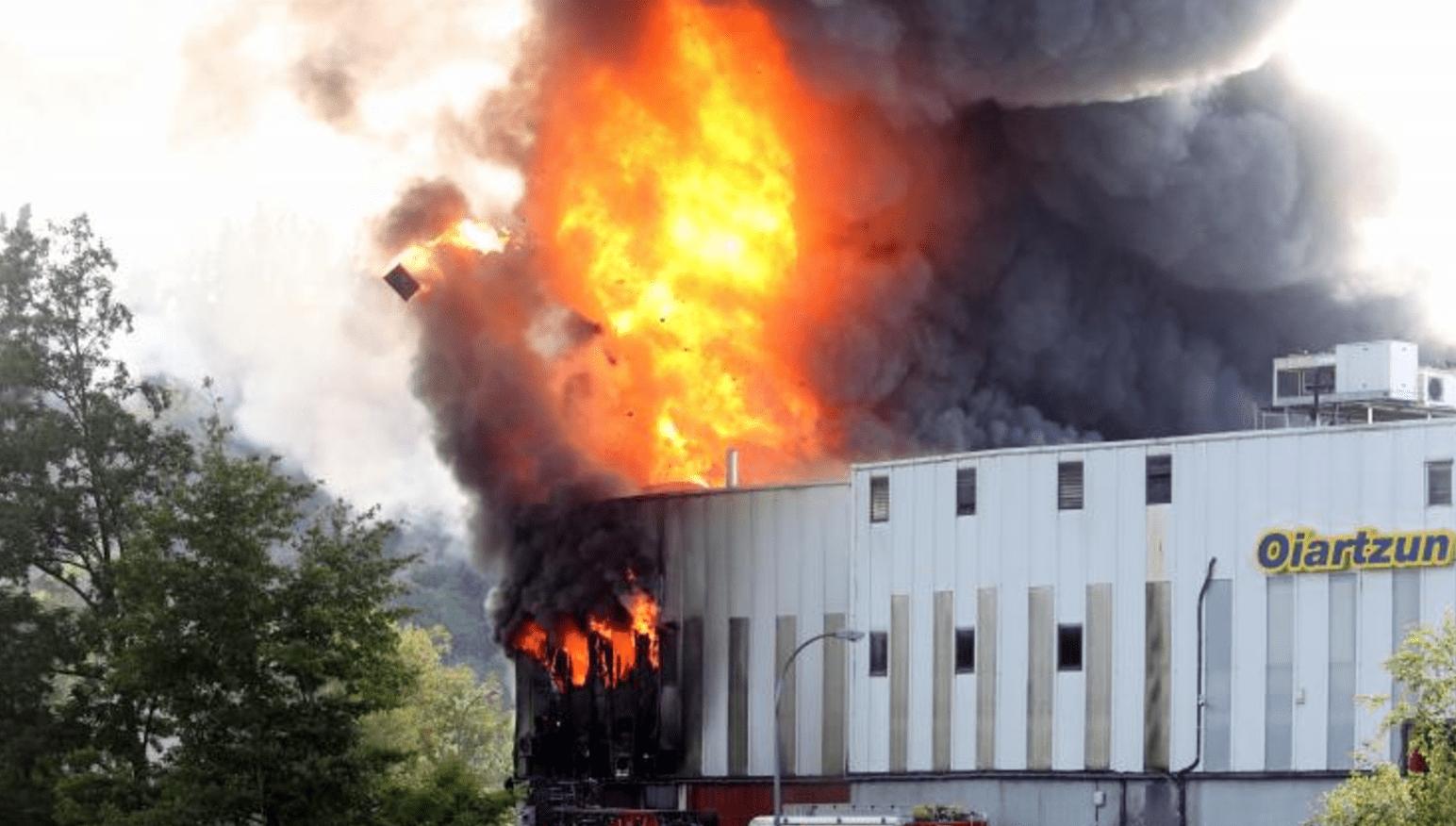 Incendio fabrica de Pukas oiartzun