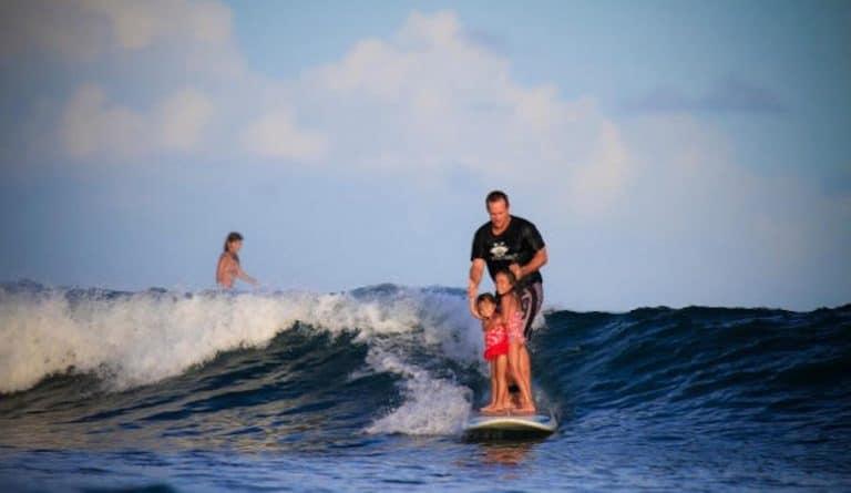 Surfista americano arrestado en las Islas Mentawai, Indonesia