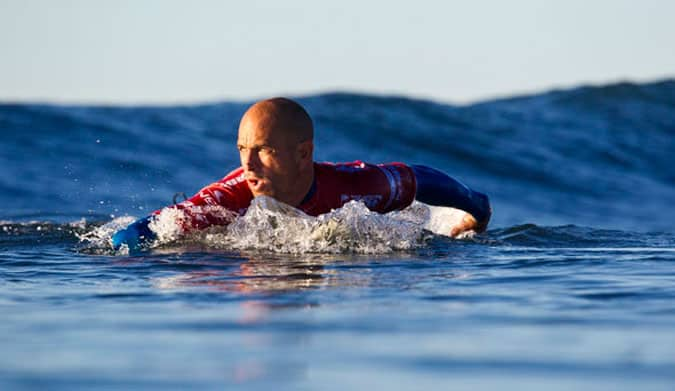 Kelly Slater remanda surf