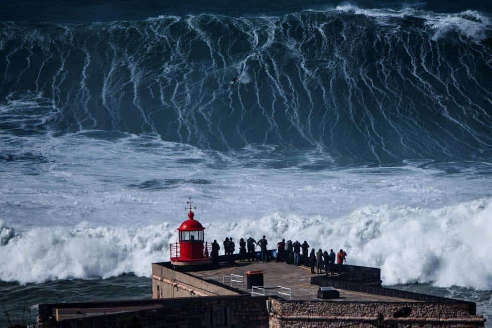 nazare big waves