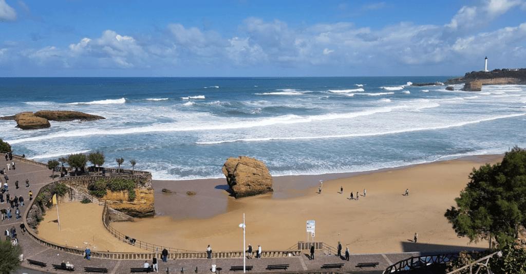 la grande plage biarritz francia surf