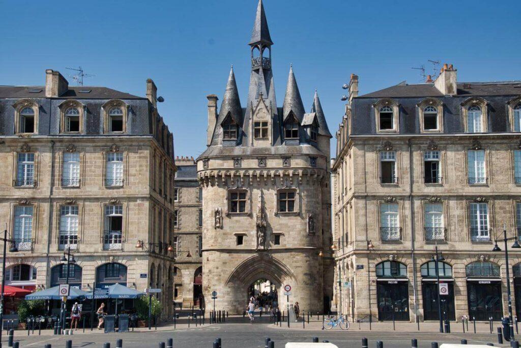 La Porte Cailhau burdeos Francia