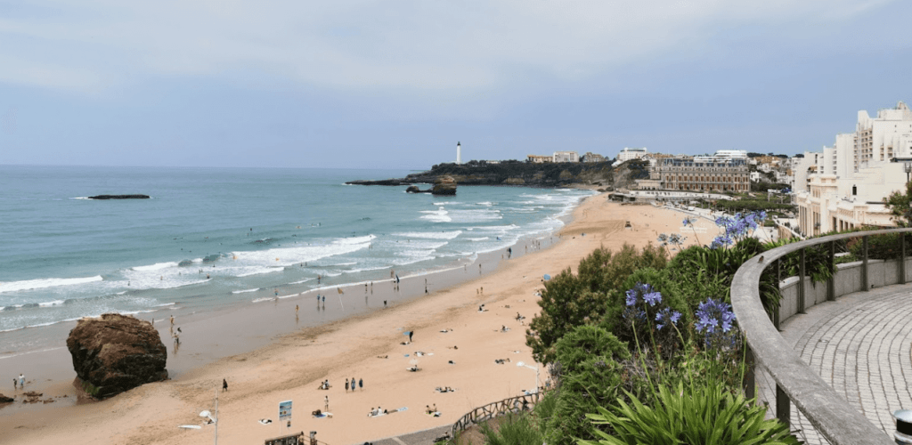 playa de biarritz ciudad surf francia