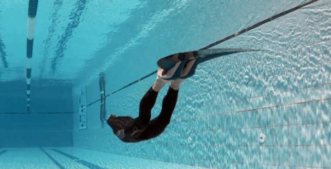 entrenamiento-apnea-piscina