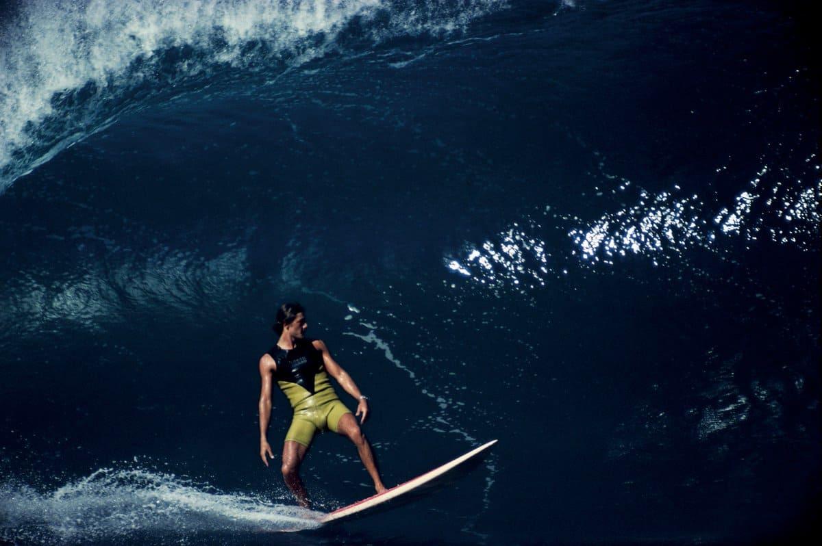 SHAUN TOMSON SURFEANDO PIPELINE