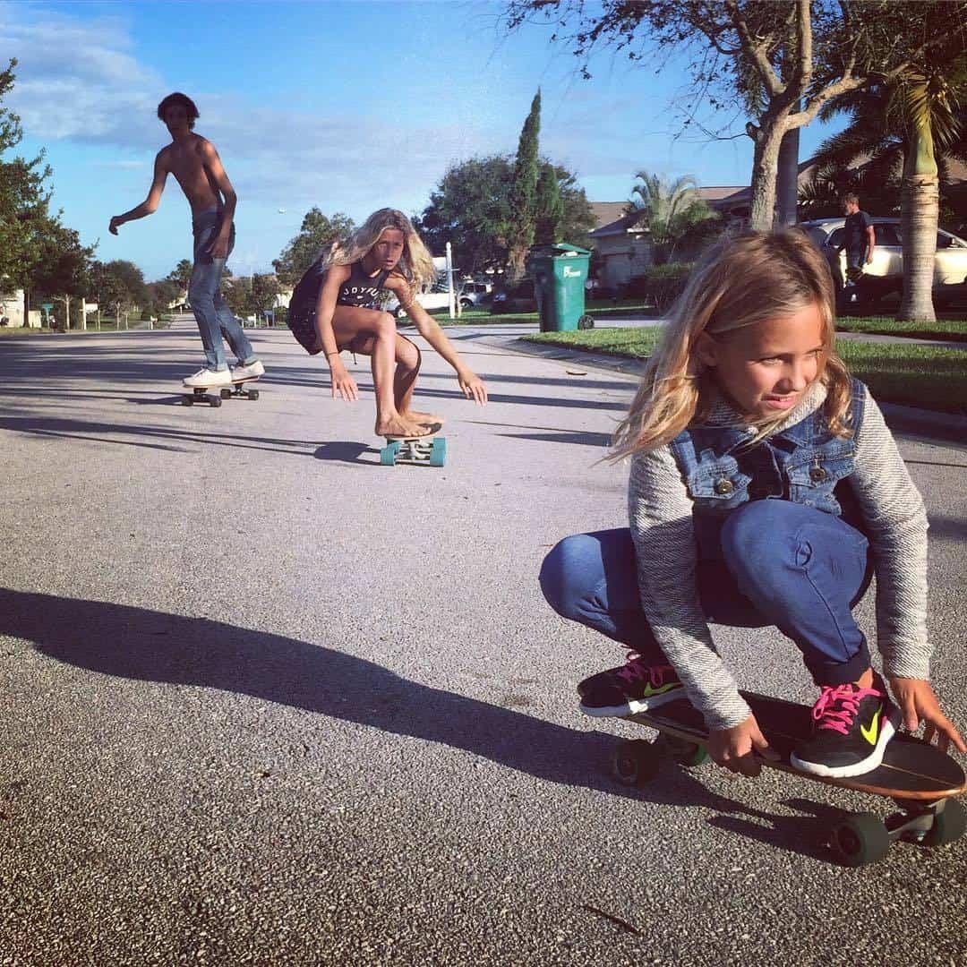 cómo frenar surf skate