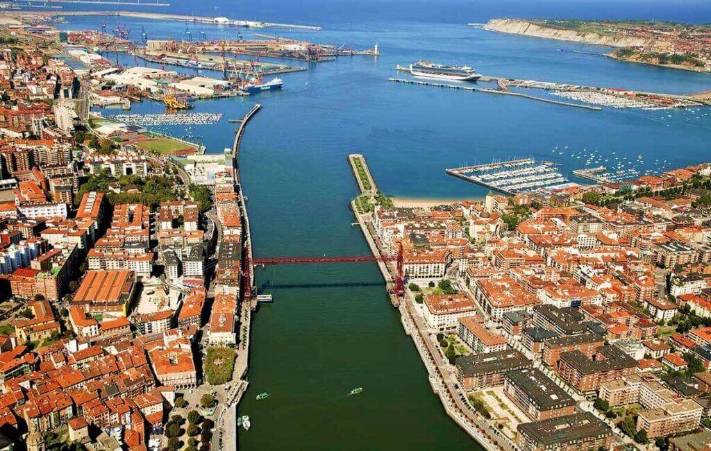 Vista aérea de la desembocadura de El Abra Portugalete