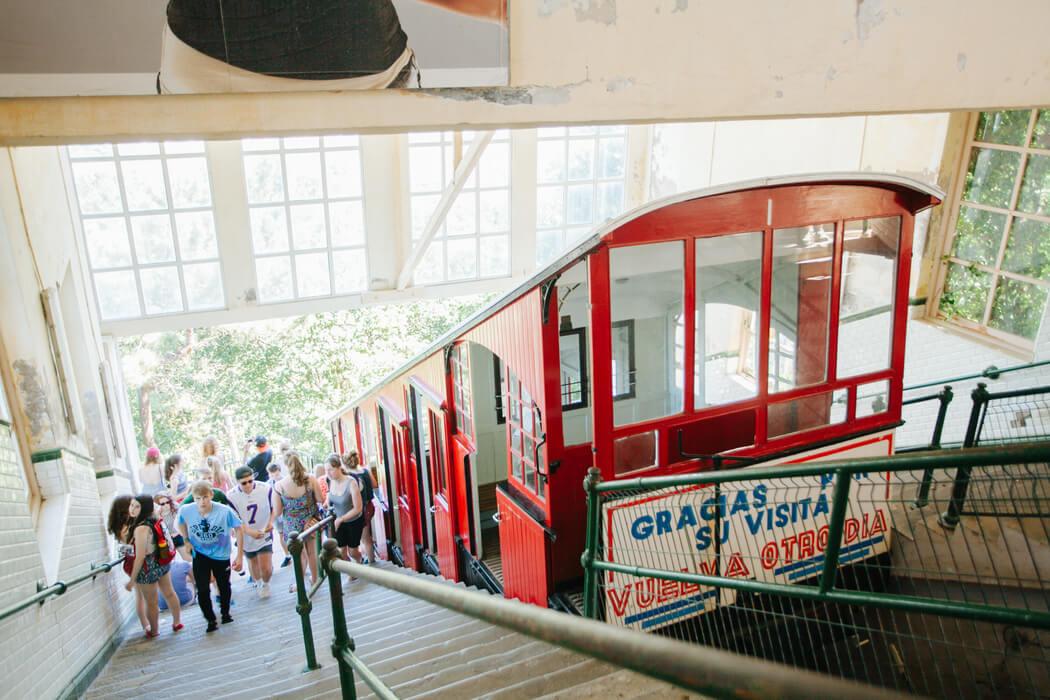 Funicular para subir al monte Igueldo San Sebastian