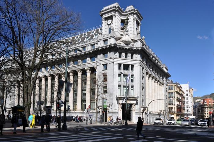 Gran Vía y Edificio Banco BBVA Bilbao