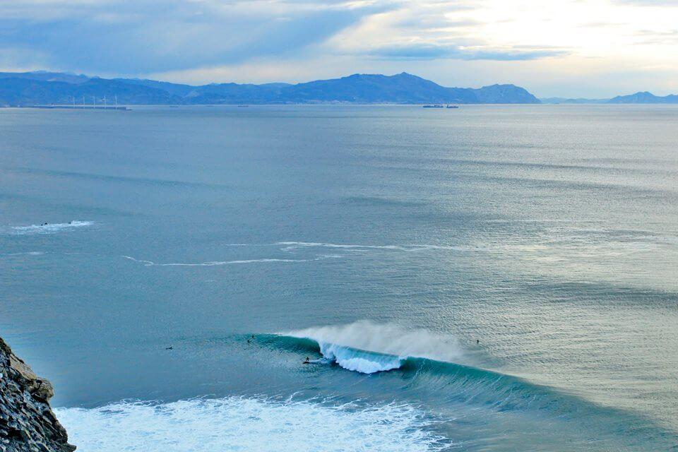 Vista aérea de la ola de Meñakoz