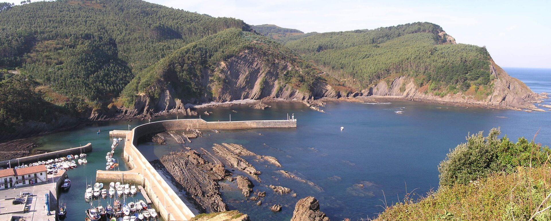 Puerto de Armintza Bizkaia