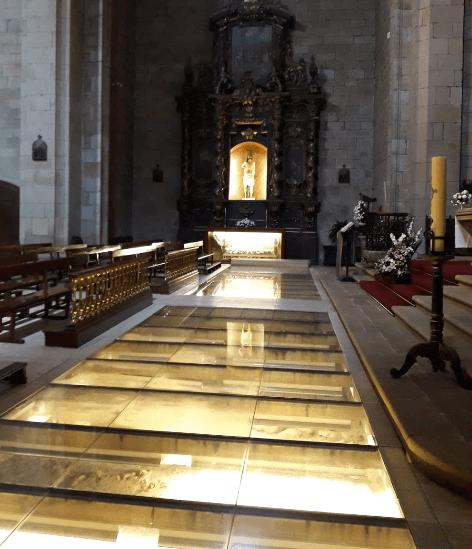 restos arqueológicos santa maría la real zarautz