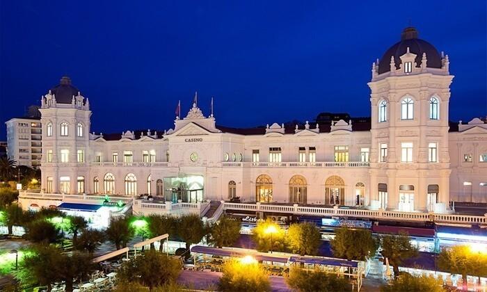 Casino Santander de noche cantabria