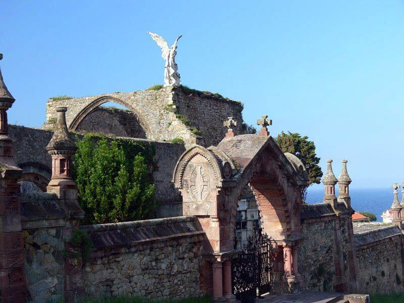 Cementerio de comillas cantabria