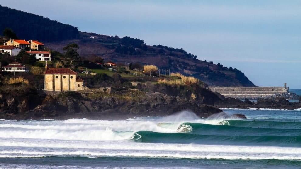Mundaka surf olas Bizkaia
