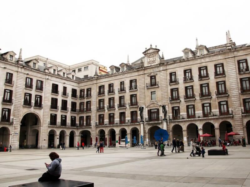 Plaza porticada Santander Cantabria