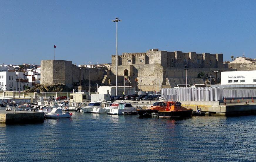 Castillo de Guzmán el Bueno desde el Mar Tarifa Cadiz