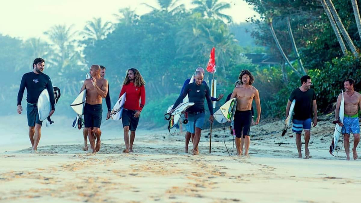 momentum pelicula grupo surf